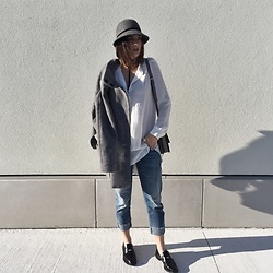 Aleksa Goldfield Rodrigues - H&M Wool Hat, Zara Wool Coat, Joe Fresh Long Blouse, Zara Relaxed Fit Jeans, Zara Loafers - Wool Hats & Coats
