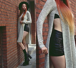 Liza LaBoheme - Slit Sweater, H&M Faux Leather Shorts - S(p)lit personality