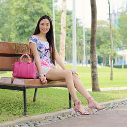 Czari Denise - Givenchy Pink Bag, Floral Romper White Blue Pink, Charles And Keith Pom Pom Heels Shoes Pink Lace - Pinky Bag Day