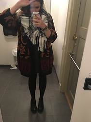 Clementine C - H&M Scarf, Thrifted Shoes, Vintage Cardigan - Chunky