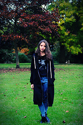 Ana Mª Aranda - Rosegal Long Hoodie, Primark Jeans, Geox Boots - Halloween in the UK