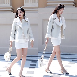 Chloe Lo - Gentle Moster Glasses, Chloé Drew Bag, Chanel High Heels - Winter.