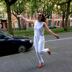 Chantal H. - Subdued Trousers, Subdued Top, Zara Shoes - White delight