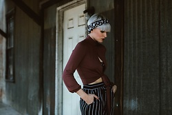 Olivia Hargrove - Bare Anthology Mock Neck Top, Romwe Black Vertical Drawstring Tapered Pants, Im With The Band Sedgwick Scarf Turban - Versatile