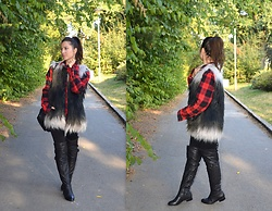 Marija M. - C&A Faux Fur Vest, New Yorker Red Plaid Shirt, Over The Knee Boots - Faux fur and plaid