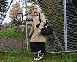 Ellie Fowler - H&M Dress/Jumper, Crepe City Tote Bag, New Look Culottes, Converse Trainers - The Boat Yard
