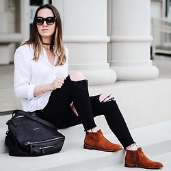 Morgan Schadegg - H&M White Shirt, Marc By Jacobs Boots - Cognac booties
