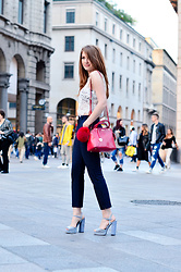Lucy Van Dean -  - Fashion bloggers at fashion week