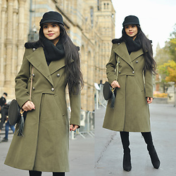Clara Campelo - Coat, Equestrian Hat, Boots - Military Coat