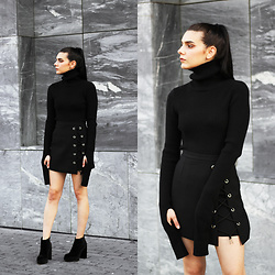 CLAUDIA Holynights - Chic Wish Long Sleeve Sweater, Chic Wish Lace Up Skirt, Dropp Velvet Boots - Black textures