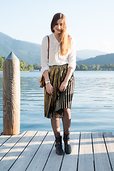Andrea Funk / andysparkles.de - Luv21 Suede Bag, Oasis Plisee Skirt - Plissee Skirt and Suede Bag