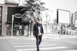 Khalil Alaoui - Https://Www.Facebook.Com/Khalilb.Alaoui/ Blazer, Https://Www.Facebook.Com/Khalilb.Alaoui/ Jean - Keep walking to your goal