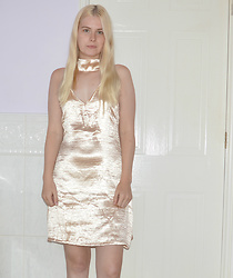 Lucy Mitchell - Zaful Gold Satin Dress - Shimmering Stars