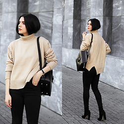 CLAUDIA Holynights - Sheinside Turtle Neck Sweater, Vipme Backpack, Locman Watch, Solewish Boots - Camel turtle neck