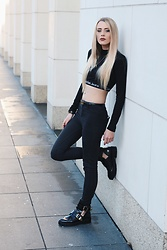 Laura Simon - Calvin Klein Black Crop Shirt, Zara Black High Waist, River Island Black Look Alike Balenciaga - All black 2 x Calvin Klein