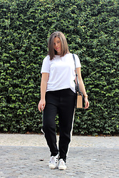 Joana Sá - Stradivarius White Shirt, Fossil Watch, Zara Bag, Zara Sporty Pants, Adidas Sneakers - Short