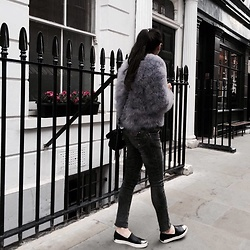 Camille MARI - Stradivarius Black Silver Tip Loafers, Lord Richards Jeans, Balenciaga Giant 12 Silver Mini City, Aliexpress Ostrich Little Purple/ Grey Fur - Silent Walk