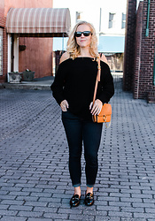 Taylor Reese - Sanctuary Cold Shoulder Sweater, Zaful Chain Shoulder Bag, Sam & Libby Loafers, Jcrew High Rise Jeans - A Little Boyish