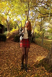 Charlotte Cocopop - Vintage Skirt, Jeffrey Campbell Shoes Boots, Jacket, H&M Shirt - Even the leaves fall for you