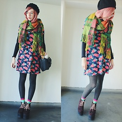 Candy Thorne - Thank You Mart Plaid Scarf, Shibuya 109 Leopard Platforms, Valley Girl Floral Dress - ? Suika ?