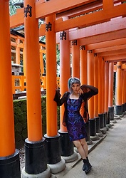 La Carmina - LaCarmina.com - Kyoto, Japan Metallic Circular Choker Collar, Zoetica Ebb Cyber Alien Botany Dress, Black Leather Daria Ankle Boots - Fushimi Inari shrine, Kyoto vermilion Shinto temple gates
