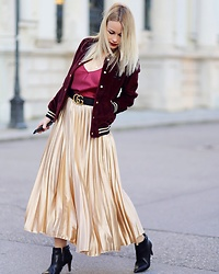 Stylingliebe -  - METALIC SKIRT MEETS COLLEGE JACKET