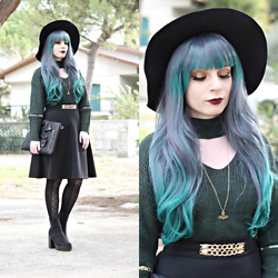 Federica D - Sheinside Dark Green Cutout Sweater, Romwe Black Wide Hat - Dark green