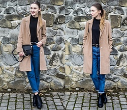 Charlotte . - Atmosphere, Zara - Carmel coat and mom jeans