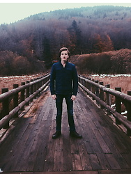 Furkan Toker - Ltb Navy Blue Jeans, Dockers Brown Boots, Mavi Blue Jacket, H&M Black Jewelry - Autumn Feelings