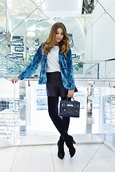 Larisa Costea - Shein Crushed Velvet Blazer - Shopping day
