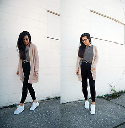 Sheila - Brandy Melville Usa Striped T Shirt Dress, Forever 21 Chunky Cardigan, Topshop Black High Waist Jeans, Nike White Sneakers - Every Fall Basics