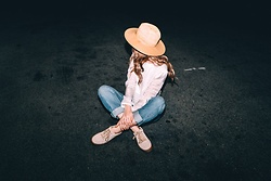 Ms. Morgan Ryan - Nordstrom Straw Hat, D.Ra White Blouse, Levi's® Boyfriend Jeans, Steve Madden Creepers - | C R I S S C R O S S |