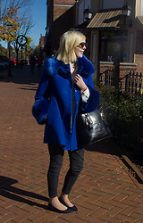 Bree Fesh - Ray Ban Rose Gold Sunglasses, Light In The Box Blue Coat, Ann Taylor White Blouse, Juicy Couture Black Jeans, Prada Black Bag, Nine West Plaid Flats - Bold Blue