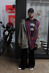 Askia Abdull - Aldo Reflector Shades, Stussy Jersey, Vans, Thrifted Piece - Street Chill
