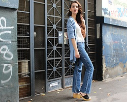 Jelena - H&M Light Blue Cardigan, Levi's® Flared Jeans, New Look Clogs - A touch of vintage