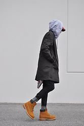 Tony Logan - Nudie Jeans Organic Denim, Uniqlo Plain Hoody, Thrift Outdoor Trench, H&M Work Boots - Rain in Spain