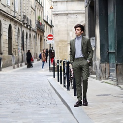 "Matthias C. - Primark Green Suit, Cashmere, Dr. Martens Loafers - ""Natural illusion"""