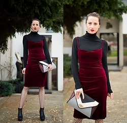 Miha Teicu - Velvet Dress, New Look Bag, H&M Boots - Red velvet revolution