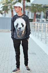 Mehdi Benali - Sacai White, Dresslily Panda, Polo Ralph Lauren Black, Vans Black - Look at the street