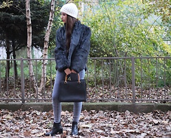 Jelena - H&M Wool Hat, Asos High Waisted Jeans, Gucci Vintage Bag, Asos Ankle Boots - All gray