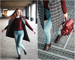 Braid B - Zipun Studio Vest, Mango Sweater, Stradivarius Boots - Mom jeans and red backpack