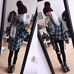 Kimi Peri - Accessorize Beanie, Gift From A Friend Stone Necklace, Tally Weijl Ripped Jeans, Public Desire Khloe Boots, The Pretty Cult Plaid Tarot Flannel - Winter Grunge Feels