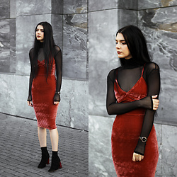 CLAUDIA Holynights - Mind The Mustard Turtleneck, Sheinside Velvet Dress, Shuzee Boots - Brick red