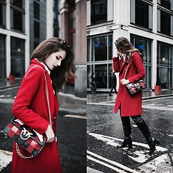 Lolita Mas -  - The Red Coat