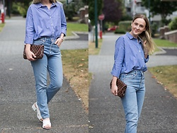 Jenaly Enns - Forever 21 Oversized Stripped Shirt, Agolde High Rise Jamie Brooklyn Jeans, Louis Vuitton Favorite Mm, Forever 21 Cross Strap Block Heels - Blue blue blue