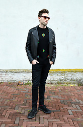 Jordi - Acne Studios Gibson Leather Jacket, Kenzo X H&M Wool Jumper, H&M Jeans, Marsèll Brushed Suede Shoes - Badges