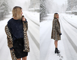 Anik L.R. - H&M Leopard Coat, Mercedes Morin Knit Skirt, Naïf Sweater - The first snow