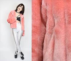 Owlephant Vintage - Vintage 90s Pink Faux Fur Coat, American Apparel Holographic Leggings, Jeffrey Campbell Shoes Lace Up Platforms - 90s Fauxness