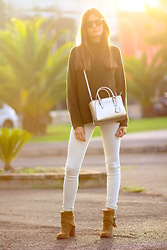 Marianela Yanes - H&M Sneakers, Guess Bag, Zara Pants, Zara Boots - The gold hour