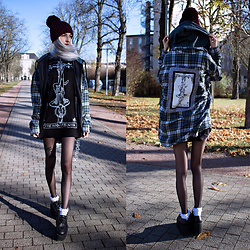 Kimi Peri - Black Sanctuary Hanged Man Tee, Accessorize Purple Beanie, The Pretty Cult Hanged Man Tarot Flannel, Vintage Blue Jacket, Tights, White Frilly Socks, Underground Vegan Wulfrun Triple Sole Creepers - The Hanged Man